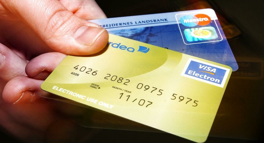 Det er blevet dyrt at bruge såkaldte debetkort i butikkerne.
