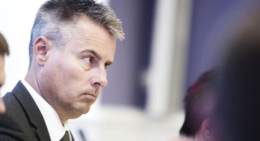 Erhvervs- og vækstminister Henrik Sass Larsen (S) vil sende bankbestyrelser på skolebænken