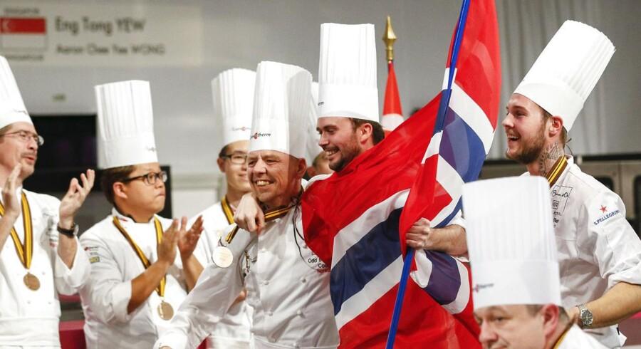 Det blev norske Ørjan Johannessen, som løb med sejren ved den prestigefyldte Bocuse d'Or -konkurrence i franske Chassieu i aftes. Foto: Robert Pratta