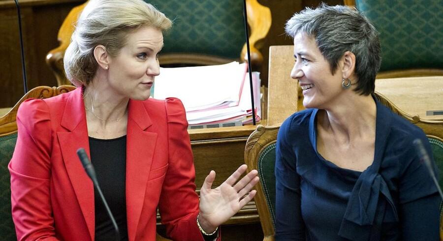 ARKIVFOTO. Margrethe Vestager og Helle Thorning-Schmidt har allerede planlagt et møde i Statsministeriet i dag, hvor de skal arbejde på en ny sammensætning af en SR-regering.