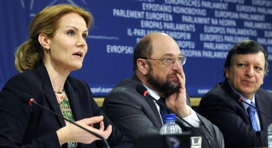 Arkivfoto. Helle Thorning-Schmidt i selskab med Europa-Parlamentets formand, Martin Schul (i midten), og formand for Europa-Kommissionen, Jose Manuel Barroso.