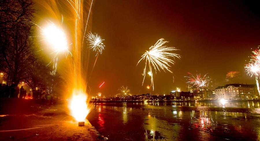 Der var traditionen tro masser af fyrværkeri over Søerne i København nytårsaften.