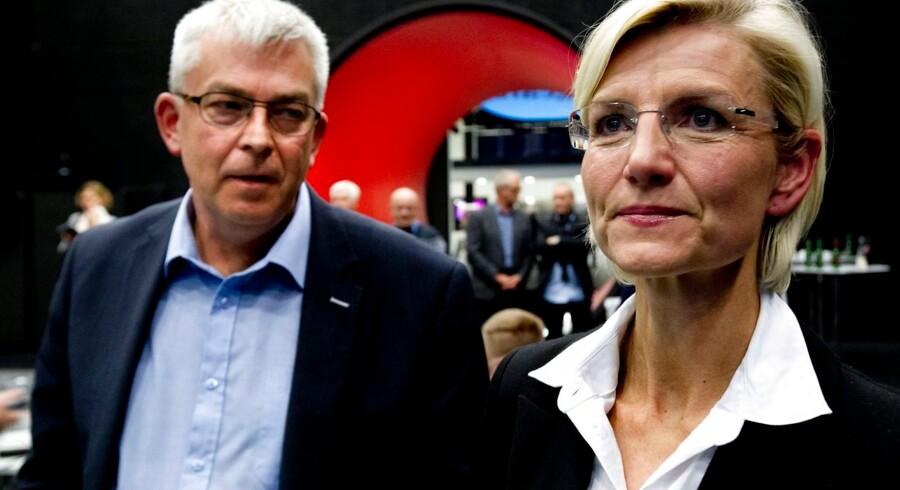 Ulla Tørnæs følger med valgresultatet tirsdag d. 19 november 2013 i Holstebro. (Foto: Johan Gadegaard/Scanpix 2013)