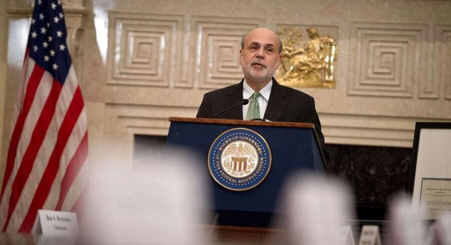 Formanden for Federal Reserve - den amerikanske central - Ben Bernanke har opkøbt obligationer for tusindvis af milliarder af dollar for at pumpe penge ud i økonomien.