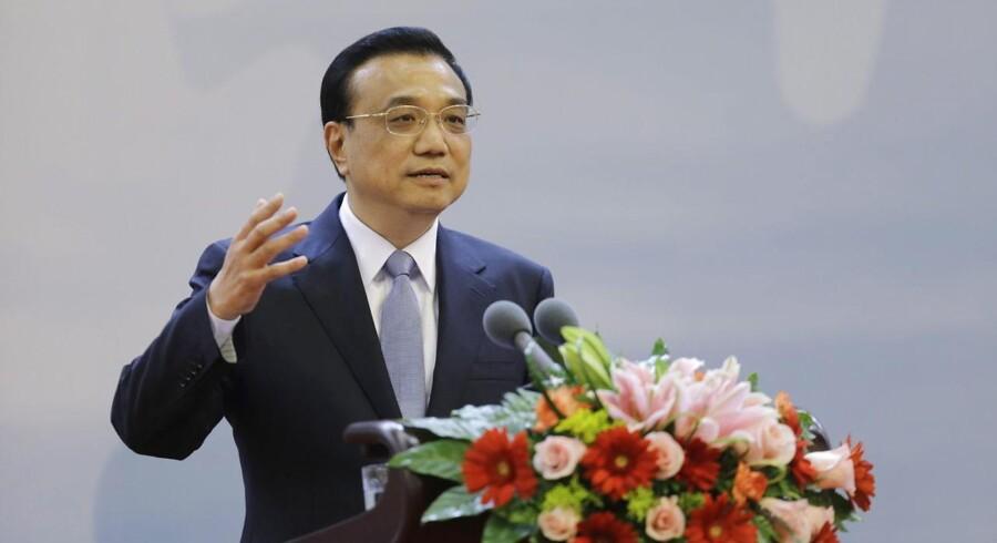 Li Keqiang melder ud, at Kina sigter mod en årlig vækst på mindst 7,2 procent og vil skabe 10 millioner job om året.