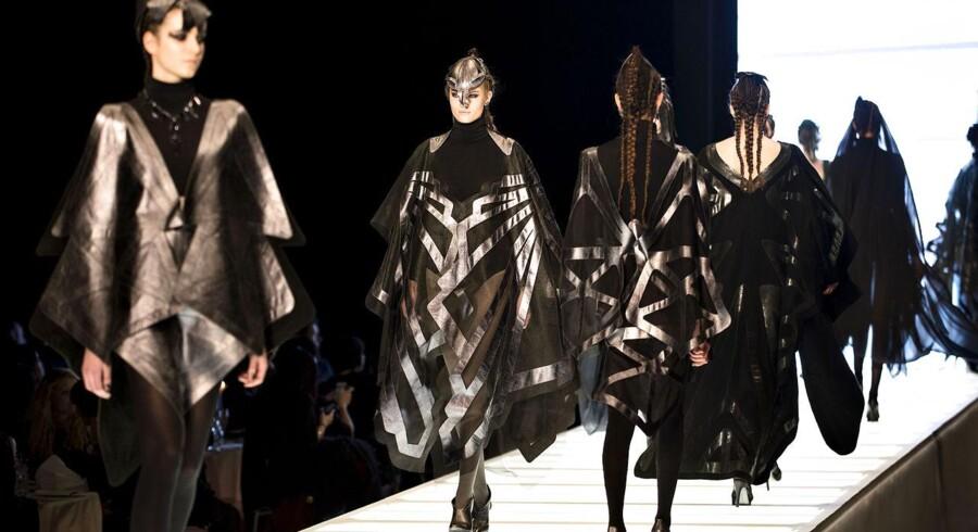 De vigtigste markeder for dansk modetøj er fortsat Tyskland, Sverige, Holland, Norge og Finland, og der er et uudnyttet potentiale, dels på de traditionelle markeder, dels på fjernere markeder, vurderer handels- og investeringsminister Pia Olsen Dyhr (SF).