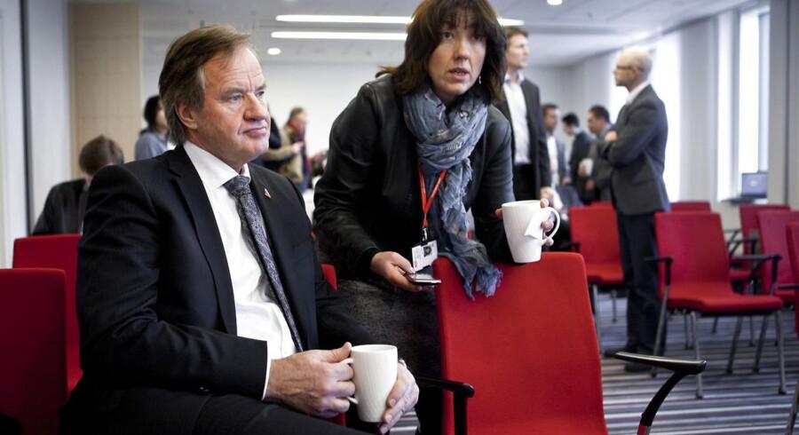 Norwegians direktør Bjørn Kjos satser på nye fly og nye ruter, men foreløbig har Dreamliner-flyene givet store problemer.
