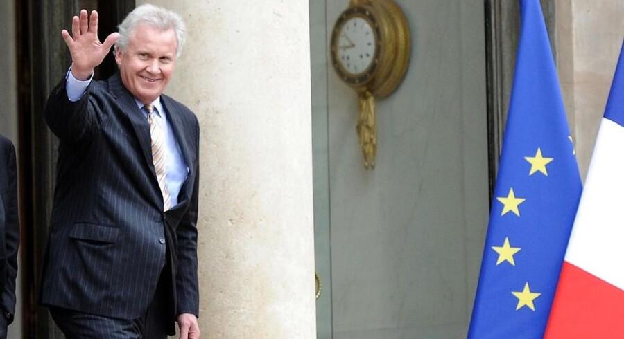Generel Electri CEO, Jeffrey Immelt (th), forlader Elysee Paladset i Paris efter møde med den franske præsident Francois Hollande