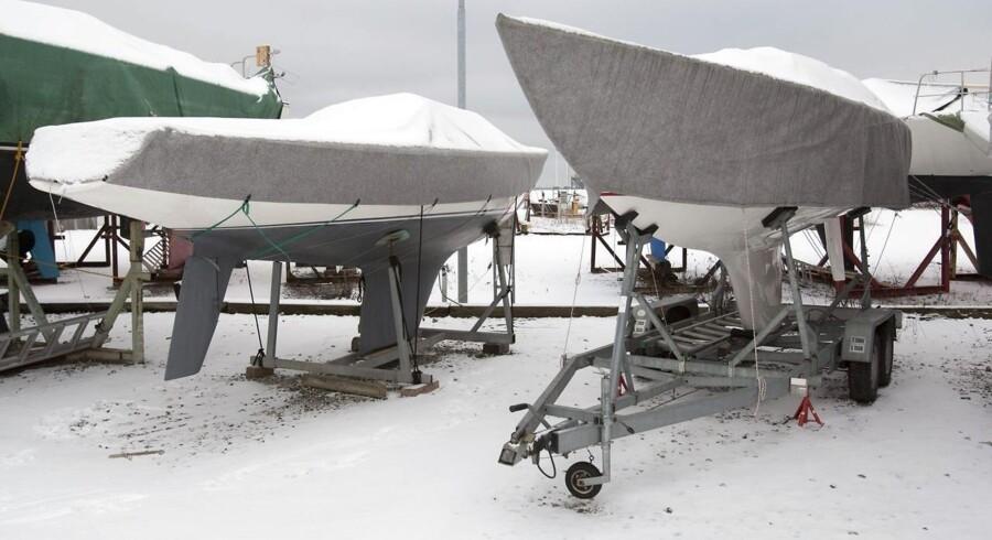 Sejlklubben kan godt slippe af med den uønskede båd, men bestyrelsen skal følge en bestemt procedure.