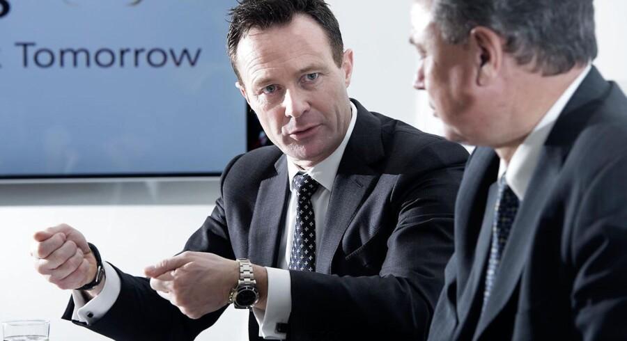 Finansdirektør Benny Loft - til venstre, her fotograferet sammen med koncernchef Peder Holk Nielsen - angiver smidig og effektiv produktion som en af årsagerne til den stærke indtjening hos Novozymes.