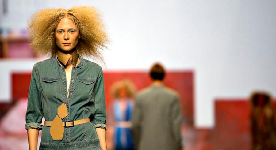 Den danske modebranche er domineret af få store, succesfulde spillere, men i takt med at dansk mode får mere succes herhjemme såvel som i udlandet, bliver der mere plads til nye spillere. Her er det ved åbningen af modugen i Bella Centret.