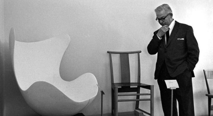 Arne Jacobsen tegnede stolen Ægget specielt til SAS Radisson hotellet i 1958. I Danmark er Jacobsens værker ophavsretsligt beskyttet frem til 2041, 70 år efter designerens død.