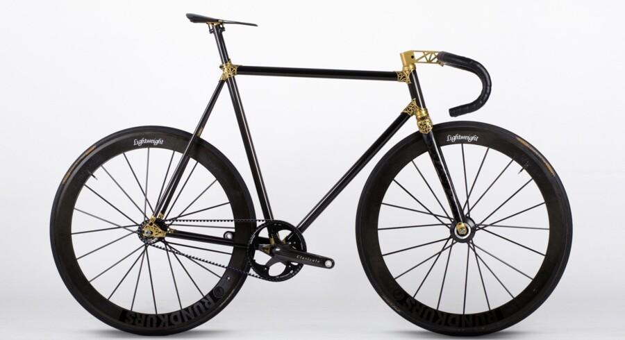 Her er den, VRZ.2 - en cykle, hvor alle de messing-lignende dele er printet i titanium på en industriel 3D-printer