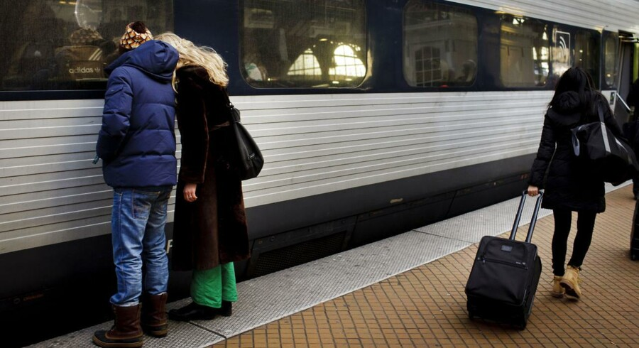 Det er ledelsens egen skyld, at kiosksalget i togene ikke løber rundt, mener Dansk Jernbaneforbund.