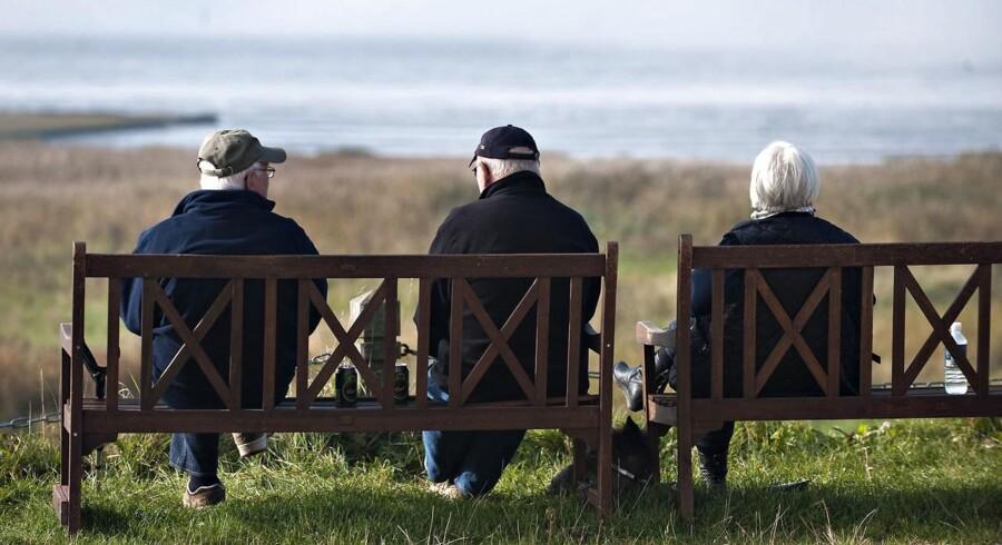 Stadig flere danskere sparer op til pensionisttilværelsen, men det kan man tabe penge på.