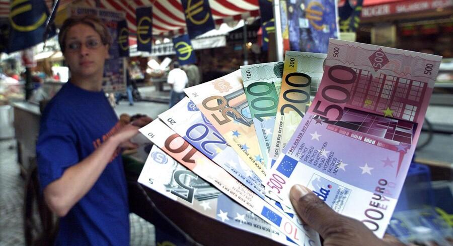 På månedsbasis steg forbrugerpriserne med 0,1 pct. Også det var som forudset ifølge Bloomberg News.
