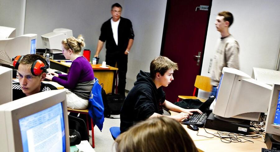 ARKIVFOTO. VKO ønsker, at Folkeskolens afgangsprøve skal have en langt større betydning end i dag. Her er vi til 9. klassernes afgangsprøve i skriftlig dansk i 2012 på Søndergård Skole i Bagsværd. (Foto: Søren Bidstrup/Scanpix 2012)