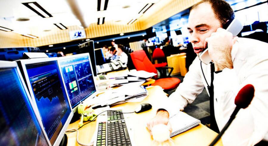 Bankernes aktiedealere - som her hos Nordea - har vundet noget af det tabte tilbage til kunder med aktiepuljer som pensionsopsparing.