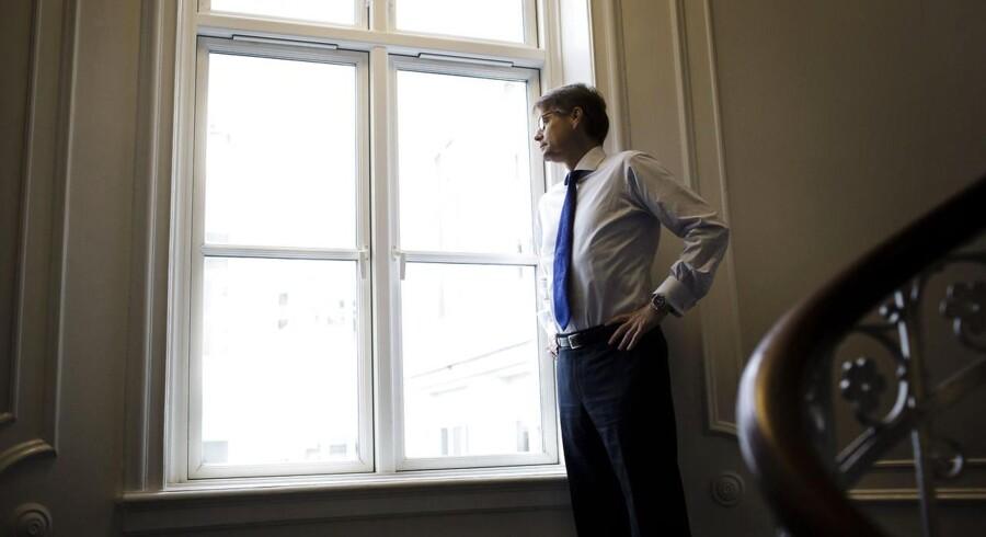 Jan Kastrup-Nielsen, der er den nye administrerende direktør i rederiet J. Lauritzen, forsøger at bane vej for en bedre økonomisk fremtid ved salg af forretningsområder.