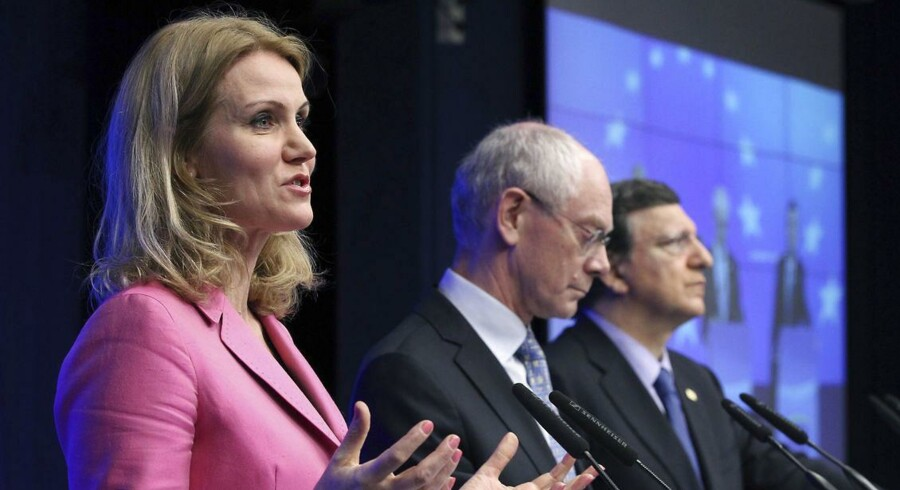 (L-R) Denmark's Prime Minister Helle Thorning-Schmidt, European Council President Herman Van Rompuy and European Commission President Jose Manuel Barroso address a joint news conference during a European Union leaders summit in Brussels June 28, 2012. EU leaders were meeting on Thursday for their 20th summit since Europe's debt crisis began two and a half years ago. REUTERS/Francois Lenoir (BELGIUM - Tags: POLITICS BUSINESS)