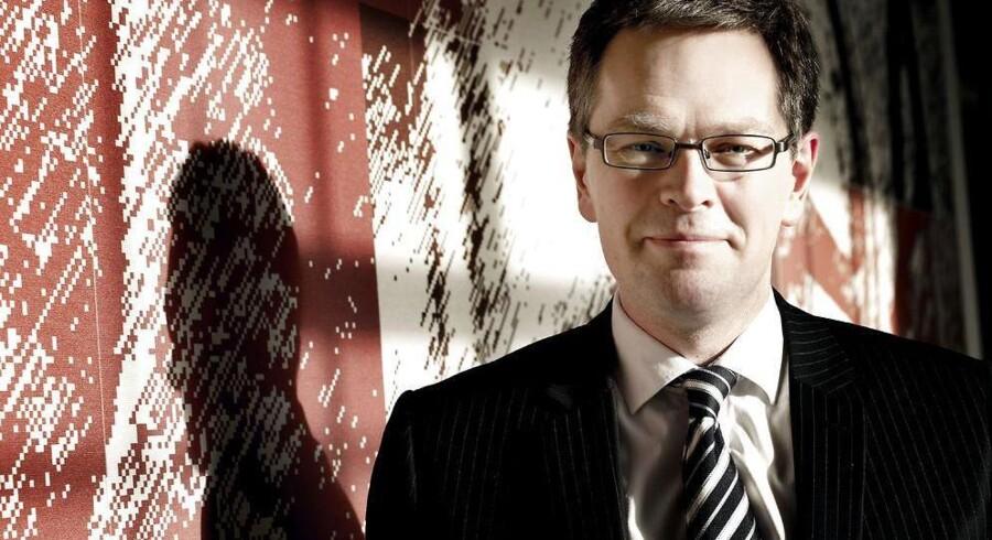 Forbrugerombudsmand Henrik Øe har skaffet erstatning til en gruppe tidligere kunder i Roskilde Bank, der købte aktier på et bestemt tidspunkt. Andre aktionærer får ingenting ud af forliget.