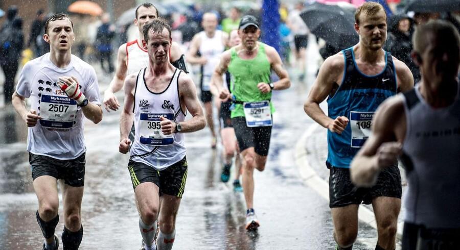 ARKIVFOTO. Fra sidste års Copenhagen Marathon, der blev afholdt i regnvejr søndag d. 19. maj 2013.