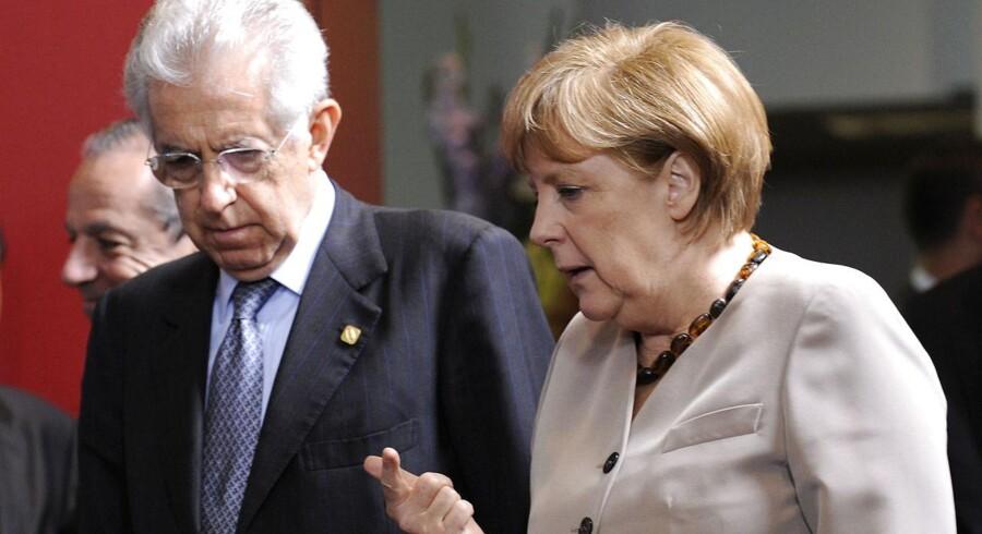 Tysklands kansler Angela Merkel gav sig en smule og imødekom nogle af Italiens premierminister Mario Monti og Spaniens krav om krisehjælp.