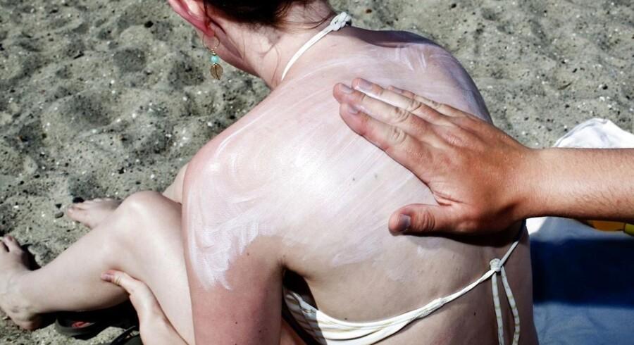 ARKIVFOTO. Flere unge rammes af modermærkekræft.