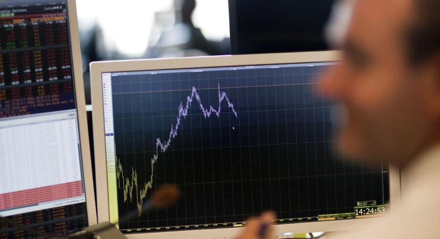 En stor del af aktiehandlen mellem store investorer foregår i »Dark pools«, så andre investorer ikke kan følge bud og udbud.