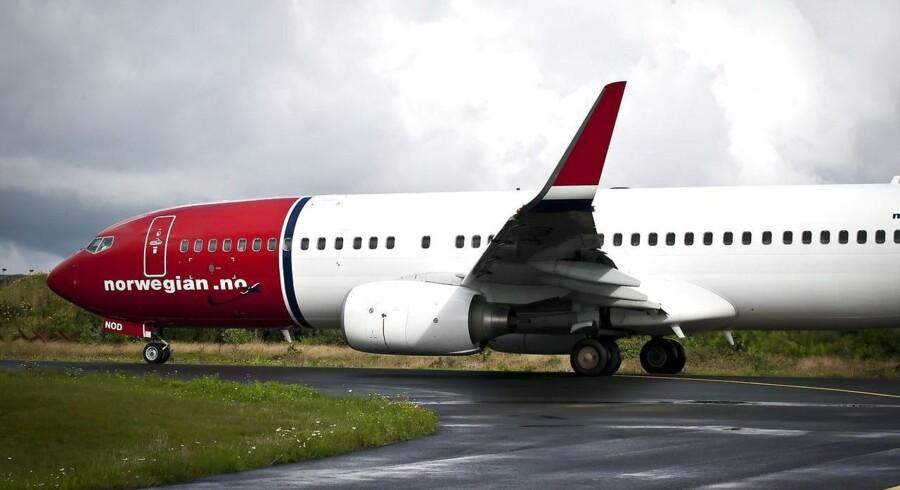 Norwegians fly vil blive stående på jorden mandag, hvis ikke selskabet og piloterne når frem til en aftale inden midnat.