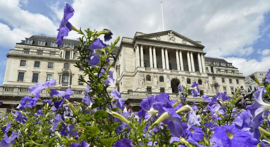 Den britiske centralbank Bank of England vil binde renteniveauet til Storbritanniens arbejdsløshed. På billede ses bankens hovedkontor i London.