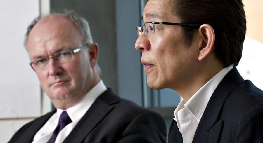 Lundbecks administrende direktør Ulf Wiinberg, sammen med Taro Twamoto fra Otsuka.