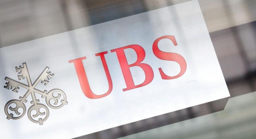 Den tyske afdeling af den schweiziske bank UBS er kommet i myndighedernes søgelys.