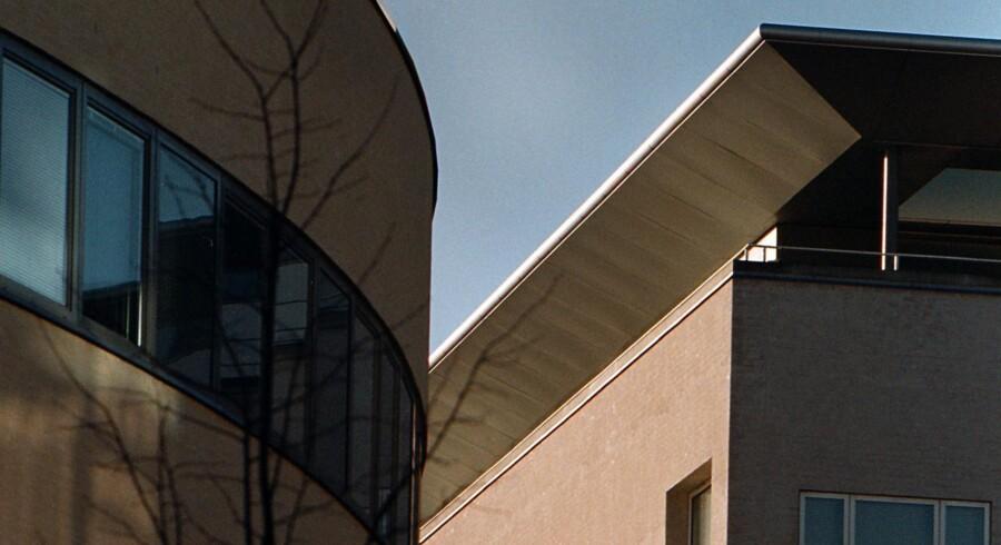 Nyt og eksklusivt byggeri på den gamle Tuborggrund i Hellerup, Tuborg Nord. Hydro Texaco bor i C.F. Møllers tegnestues erhvervsbyggeri, ligesom Fischer og Lorenz, Det Norske Veritas, Mercuri Urval og Dan-Ejendomme, har lejet sig ind i det halvcirkelformede domicilbyggeri til venstre i billedet.