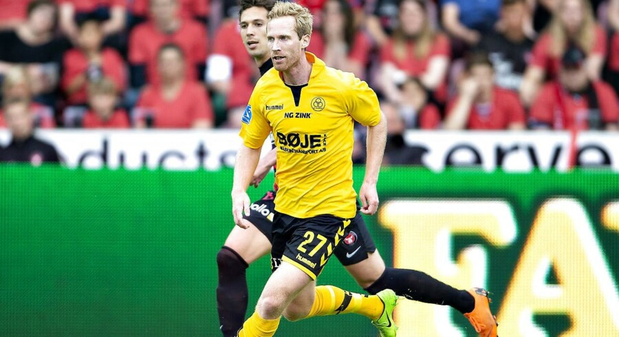 AC Horsens Jonas Thorsen foran FC Midtjyllands Gustav Wikheim i Alka Superliga mesterskabsspil kampen FC Midtjylland mod AC Horsens på MCH-Arena i Herning, 21. maj 2018.. (Foto: Henning Bagger/Ritzau Scanpix)