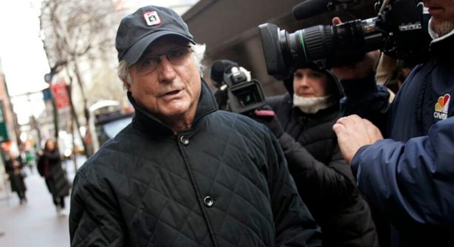 Bernard Madoff er måske en af historiens største svindlere. Men fik han hjælp af konen?