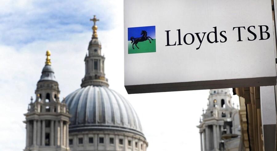Den britiske bank, Lloyds Banking Group, planlægger at nedlægge tusindvis af job i den største sparerunde for selskabet siden 2011.