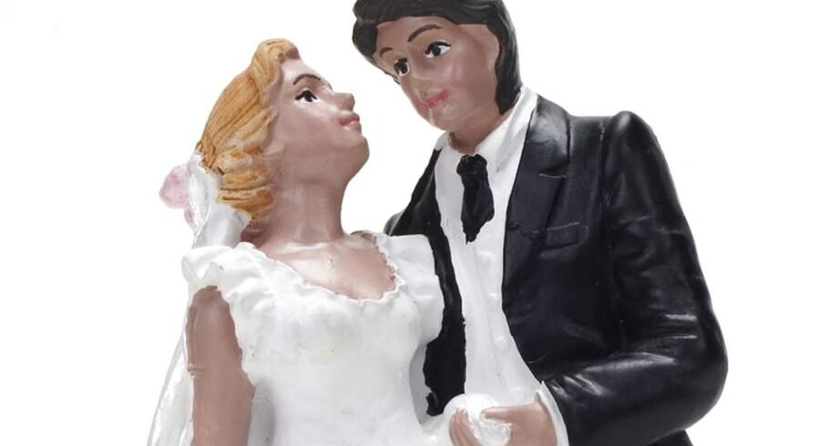 Skiftet med børnene før indgåelse af nyt ægteskab afhænger af tidspunktet for den første ægtefælles død, og af om der er oprettet testamente.
