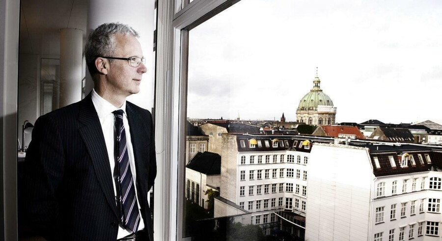 Direktør hos Finansiel Stabilitet, Henrik Bjerre-Nielsen kritiserer bankerne for at skabe en kreditklemme indenfor visse sektorer.