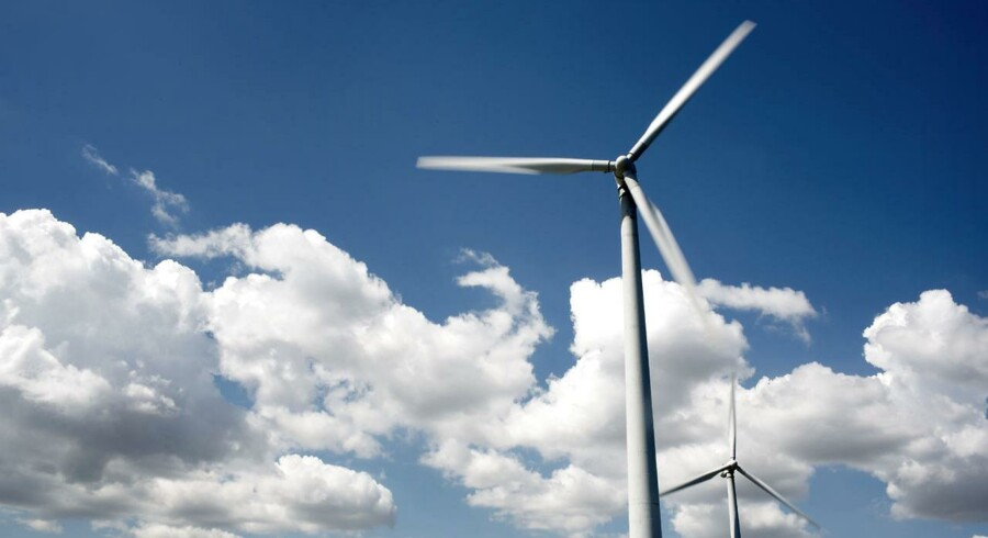 Koks med tilladelserne betyder, at en nyopført svenske vindmøllepark skal rives ned. Her ses dog en dansk en af slagsen.