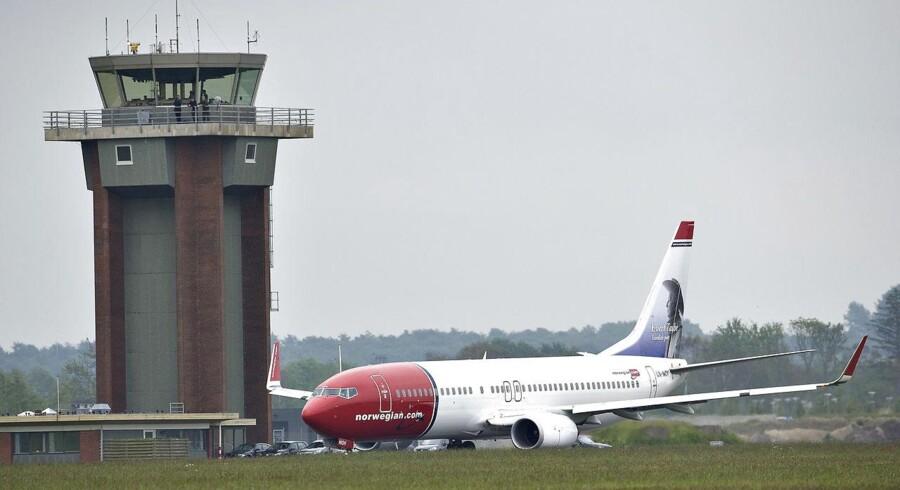 Et Norwegian fly er klar til at lette fra startbanen i Aalborg Lufthavn. Fremover kommer turen ikke til at gå til den norske hovedstad.