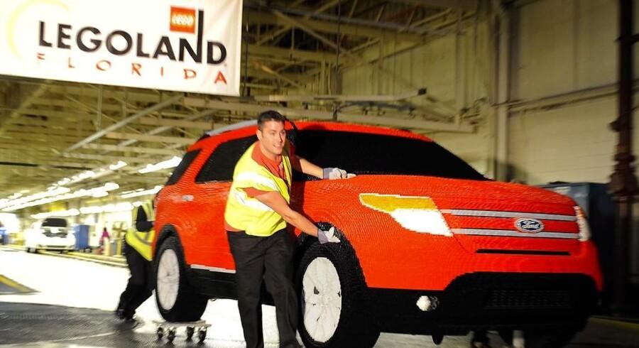 Når Legoland åbner verdens største Legoland kommer denne Ford Explorer til at stå foran indgangen. De vejer 1204 kg og er lavet af over 380.000 legoklodser.