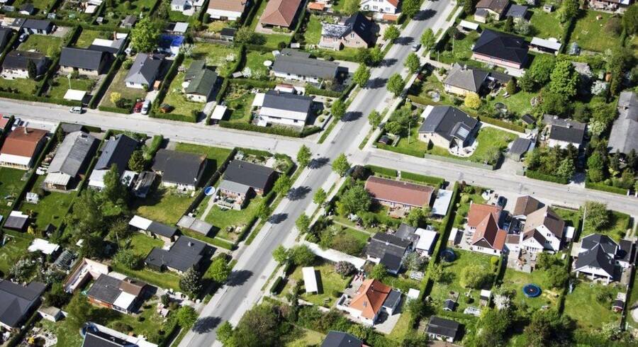 Et stort udsnit af de danske boligejere har her i sommer mulighed for at konverter deres realkreditlån til et lån med lavere rente og dermed en månedlig besparelse på ydelsen. Foto: Christian Ringbæk