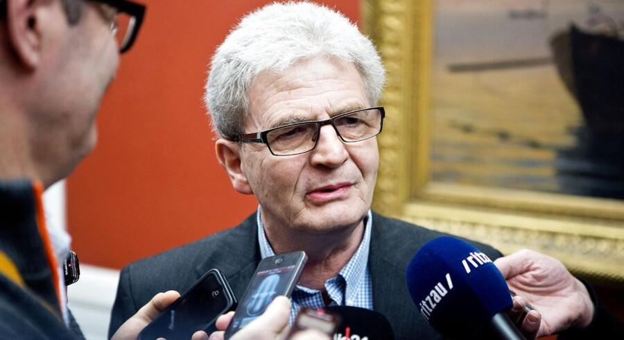 Hvis arbejdsgiveren hyrer personale til at passe børn under skolekonflikten, kan det medføre skattepligt for medarbejderne, siger skatteminister Holger K. Nielsen.