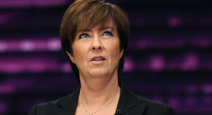 Mona Sahlin underr aftenens TV-debat med Frederik Reinfeldt.