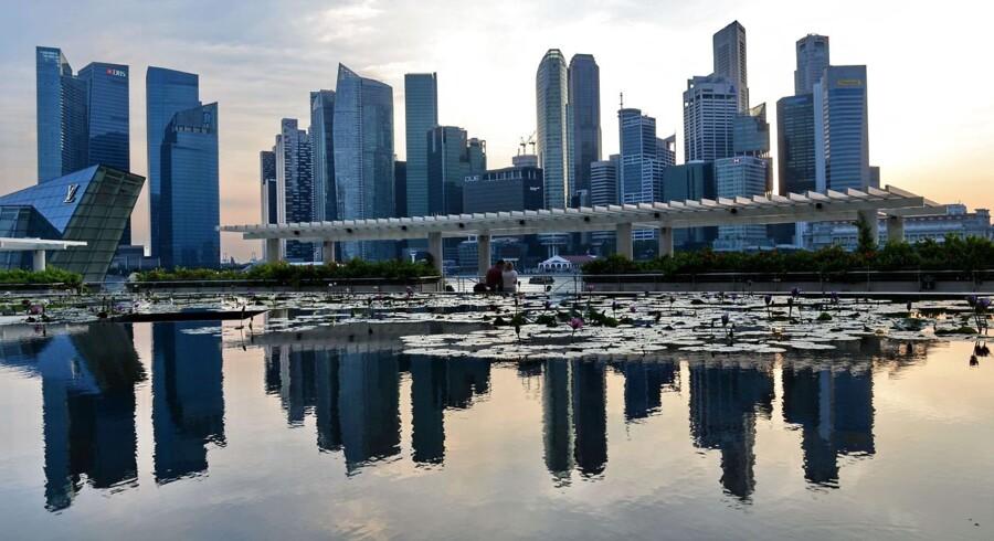 Østaten Singapore tegner sig som den dyreste by i verden.