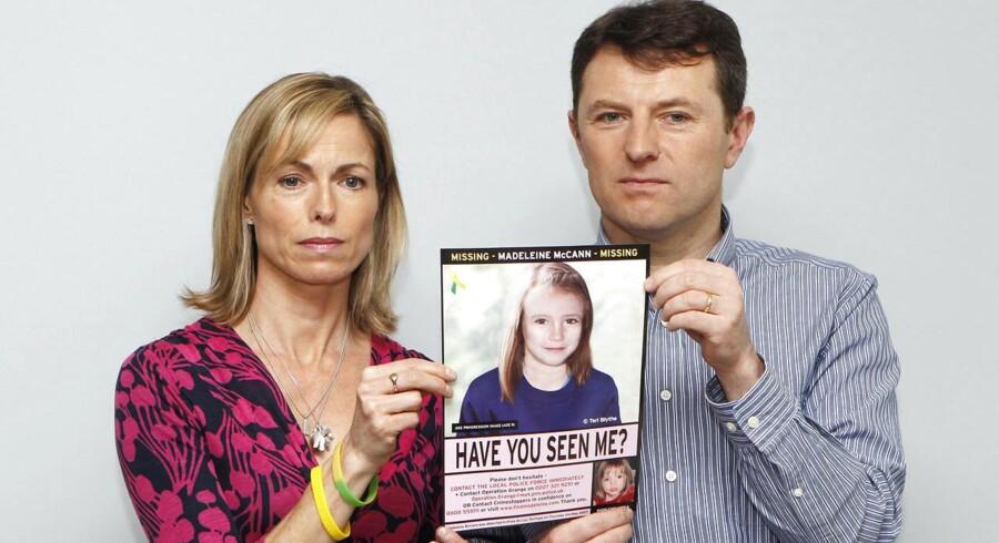 Kate og Gerry McCann - forældrene til den forsvundne Madeline McCann - viser her et billede af deres datter, som man mener, hun ser ud i dag, 10 år gammel, hvis hun stadig er i live.