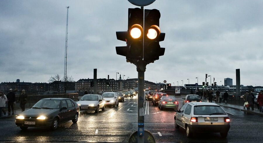 ARKIVFOTO. EL-forslaget om at lave forsøg med roadpricing møder dog modstand i regeringen, hvor Pia Olsen Dyhr afviser, at teknologien er tilstrækkelig.
