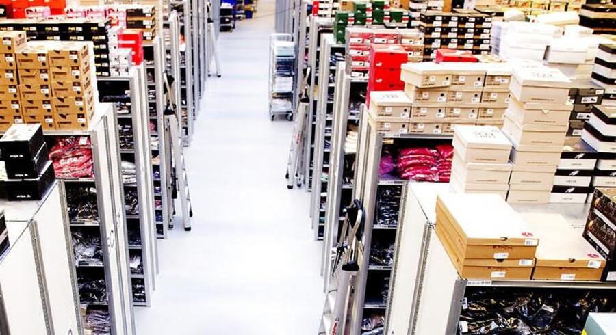 Tøjet blev hevet ud af Smartguys lagerhylder i et større omfang i de første seks måneder af regnskabsåret 2013/2014 end samme periode sidste år.