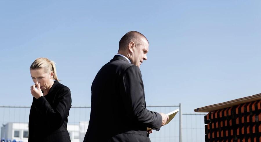 Regeringen drysser med politik for tiden. Justitsminister Mette Frederiksen (S) præsenterer i dag et udspil om ungdomskriminalitet sammen med socialminister Manu Sareen (R), og i de kommende uger vil der komme vækstforslag fra finansminister Bjarne Corydon (S).